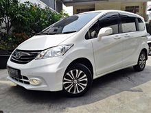 New Model Honda Freed 1.5 E(PSD) 2013 white elegant , Like new , KM 15RB ASLI , Service record resmi honda