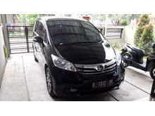 Honda Freed PSD E AT 2013/2014 Hitam Istimewa