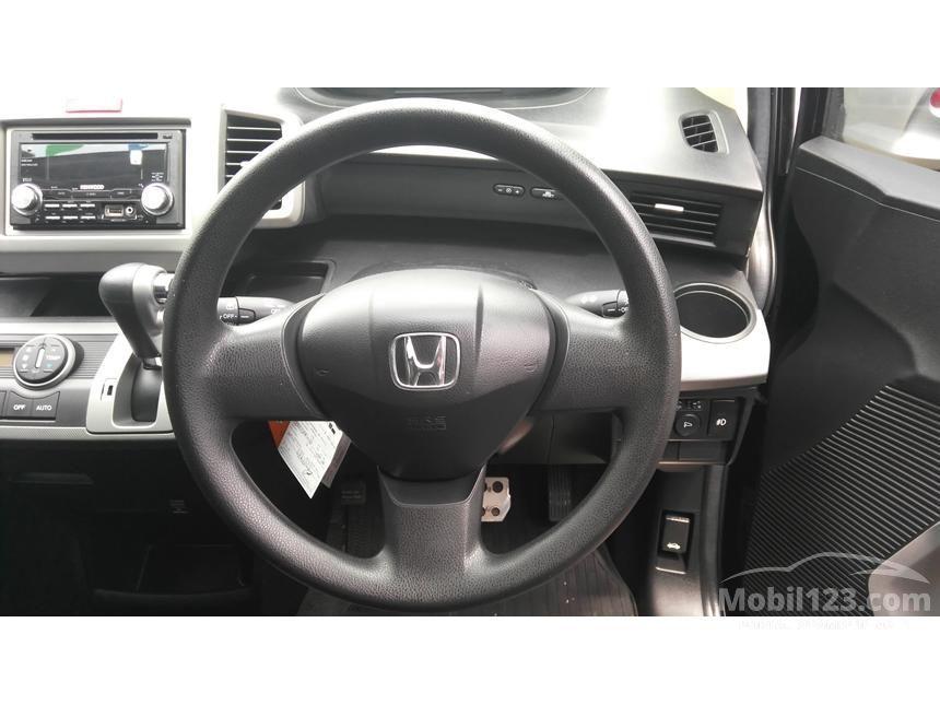 2011 Honda Freed MPV Minivans