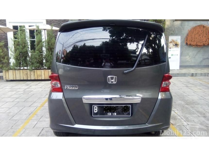 2009 Honda Freed MPV Minivans