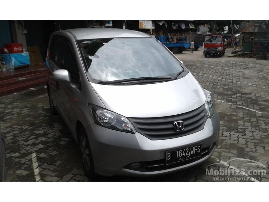 2012 Honda Freed MPV Minivans