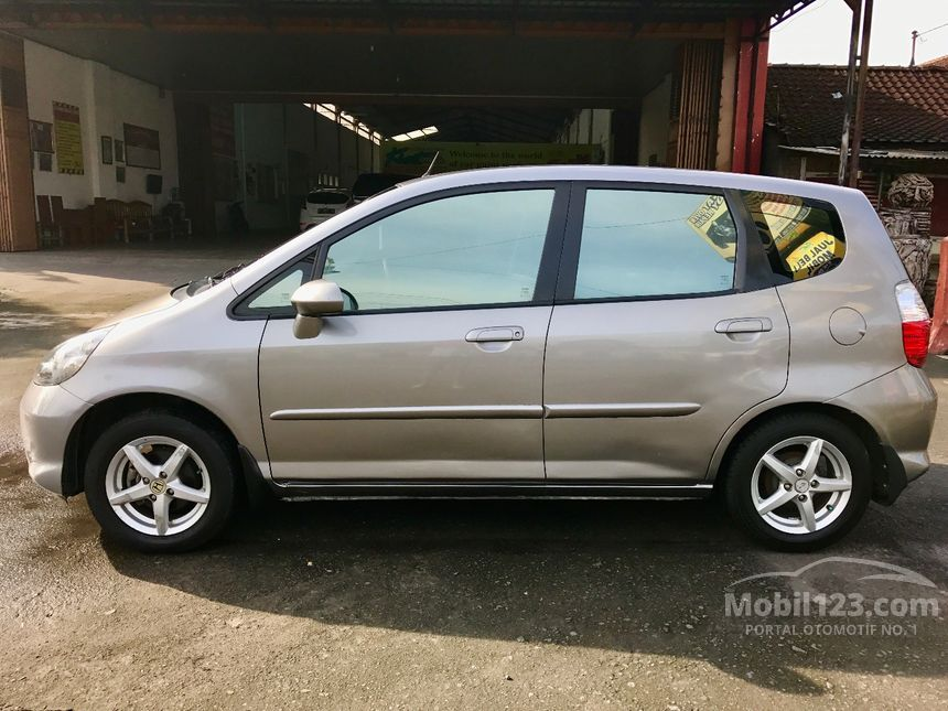Jual Mobil Honda Jazz 2007 i-DSI 1.5 di Jawa Tengah Manual ...