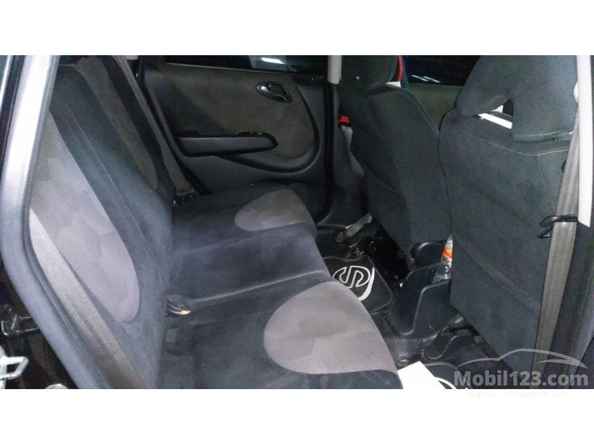 2005 Honda Jazz VTEC Hatchback