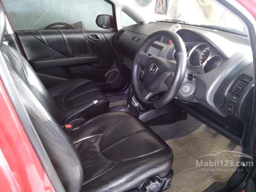 2004 Honda Jazz VTEC Hatchback