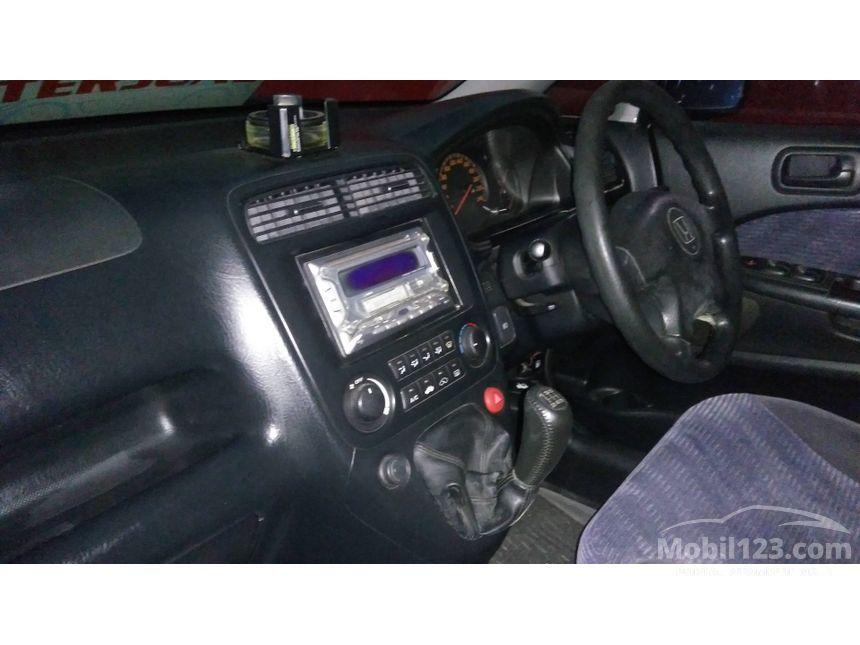 2003 Honda Stream 1.7 MPV