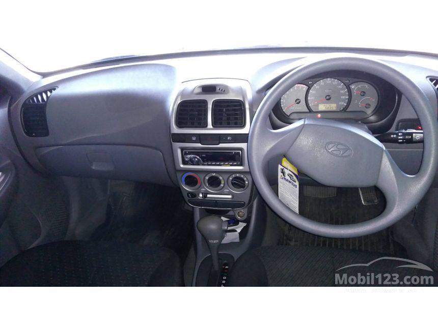 2011 Hyundai Avega Sedan