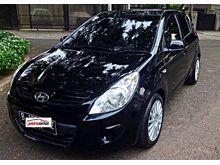 Hyundai i20 Tahun 2011 2012 Hitam Matic Terawat Hans Autos