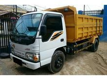 2014 Isuzu Dump Truck 4.6 Trucks