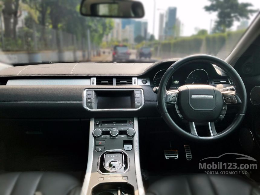 harga land rover evoque si4 2016 with 3683802 on Land rover range rover evoque dynamic coupe si4 petrol in 2287300 additionally Land Rover Jawa Barat additionally Range Rover Evoque likewise 3683802 together with 3683802.