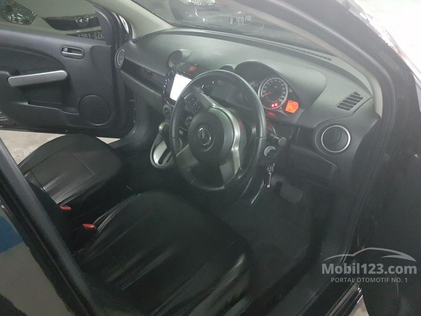 2013 Mazda 2 R Hatchback