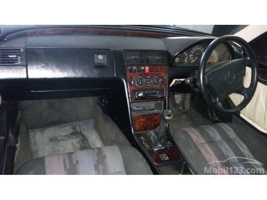 1995 Mercedes-Benz C180 Sedan