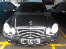 2010 Mercedes-Benz E200 Kompressor Hitam Perfect Condition Istimewa
