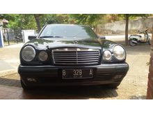 1997 Mercedes-Benz E230 2.3 W210 2.3 Automatic Sedan