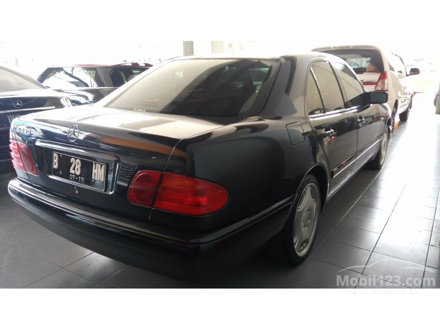 1997 Mercedes-Benz E230 W210 2.3 Automatic Sedan