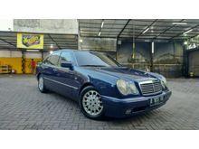 1997 Mercedes-Benz E230 2.3 W210 Sedan