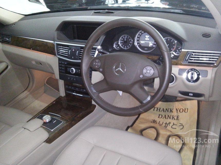 2009 Mercedes-Benz E300 Avantgarde AMG Sedan