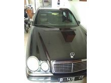 1997 Mercedes-Benz E320 3.2 W210 3.2 Automatic Sedan