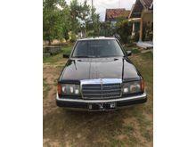 1988 Mercedes-Benz 200E 2.0 W124 L4 2.0 Manual Sedan