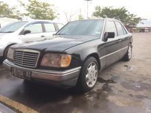 1992 Mercedes-Benz 230E 2.3 W124 2.3 Automatic Sedan