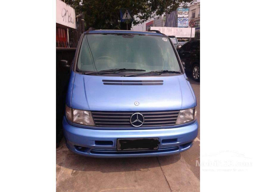 mercedes benz v230 2002 2 3 automatic 2 3 di jawa barat automatic mpv minivans biru rp. Black Bedroom Furniture Sets. Home Design Ideas
