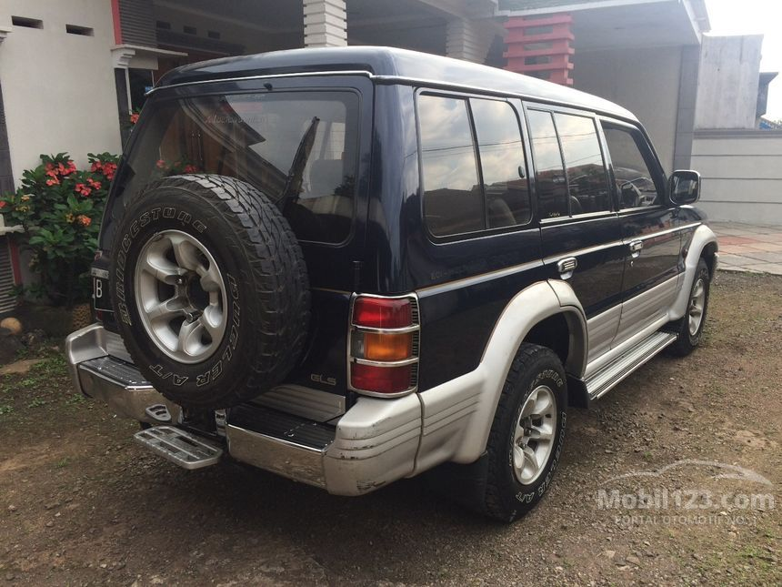 jual mobil mitsubishi pajero 1997 v6 3 0 manual 3 0 di jawa barat manual suv biru rp. Black Bedroom Furniture Sets. Home Design Ideas
