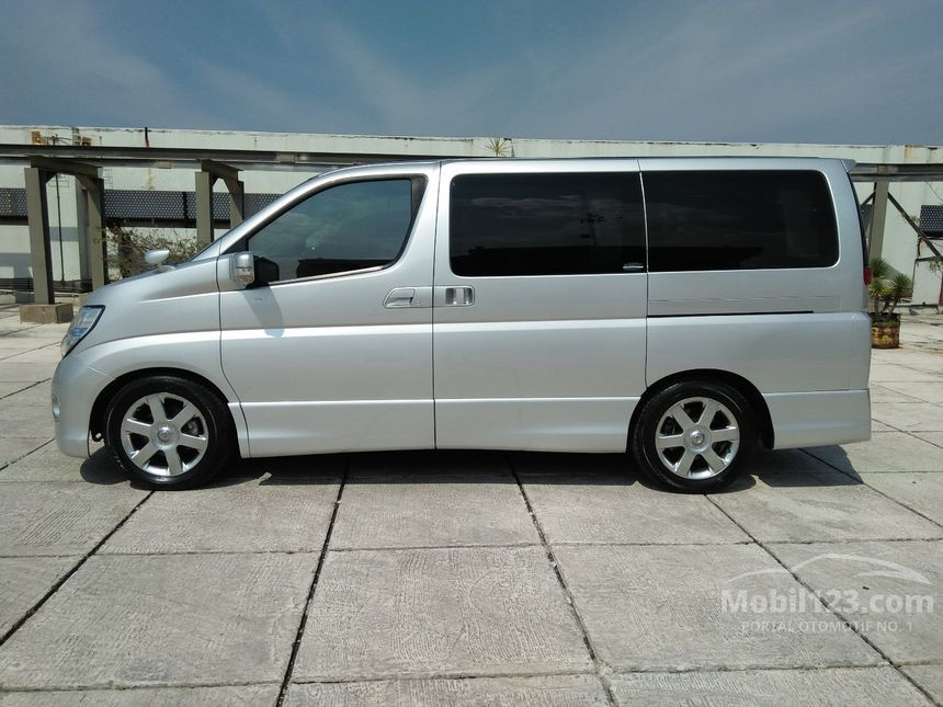 nissan elgrand bekas with 3629614 on 1952701 moreover 1974063 in addition 3368530 also 3271107 likewise 3602193.