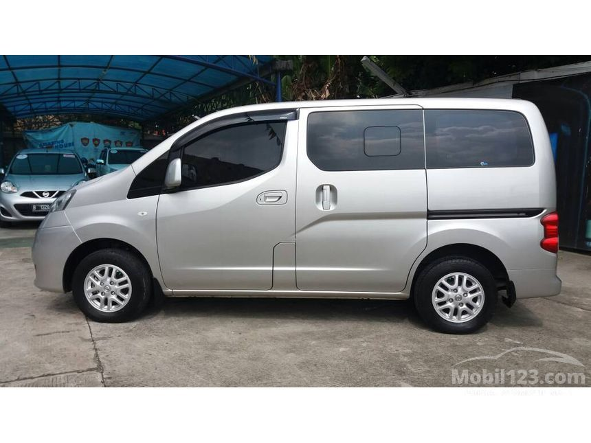 Jual Mobil Nissan Evalia 2012 XV 1.5 di Jawa Barat Manual ...