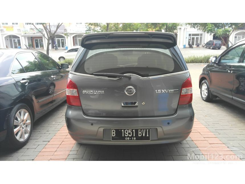 2010 Nissan Grand Livina Highway Star MPV