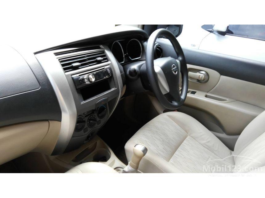 2015 Nissan Grand Livina SV MPV