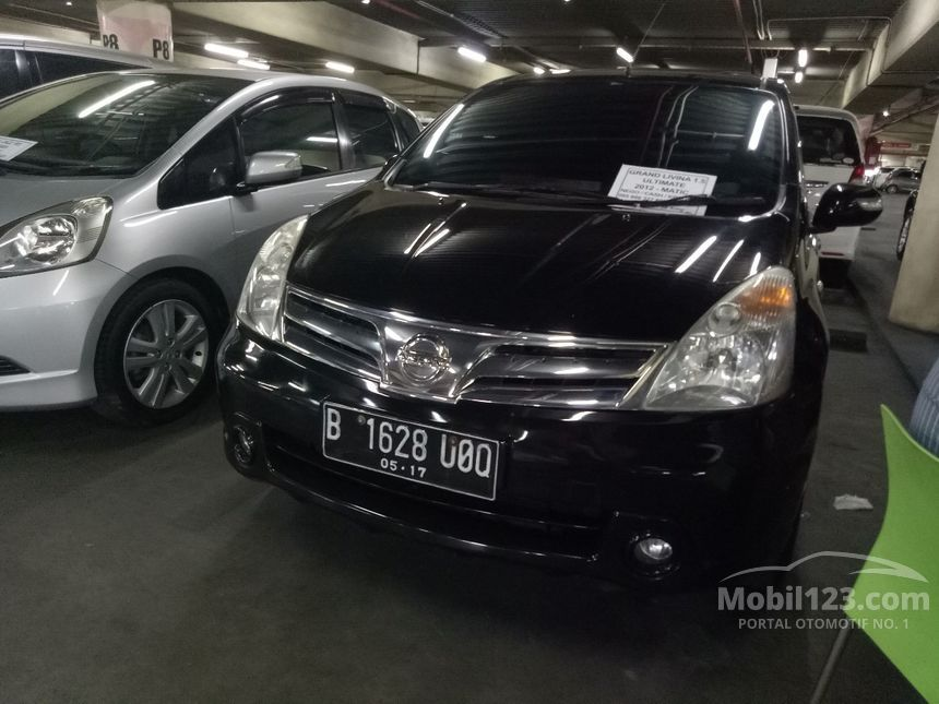 2012 Nissan Grand Livina Ultimate MPV