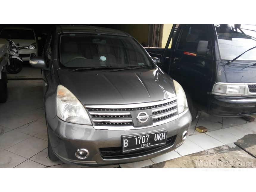 2010 Nissan Grand Livina Ultimate MPV