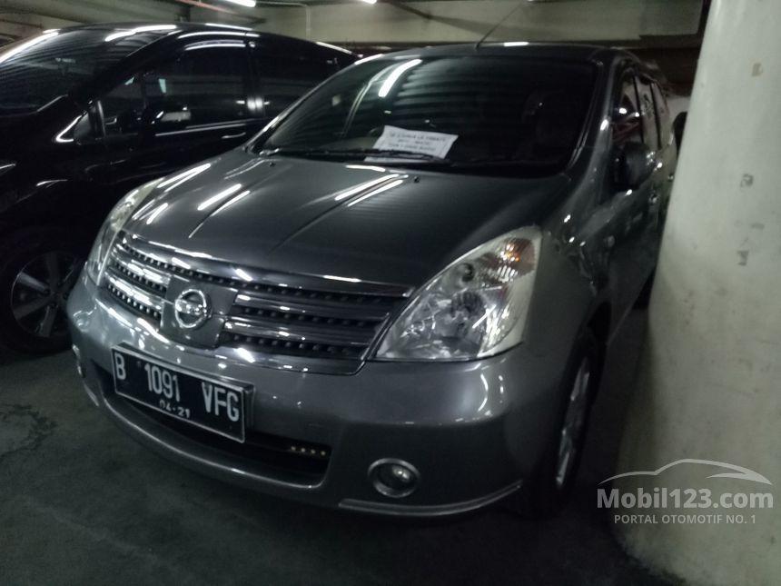 2011 Nissan Grand Livina Ultimate MPV