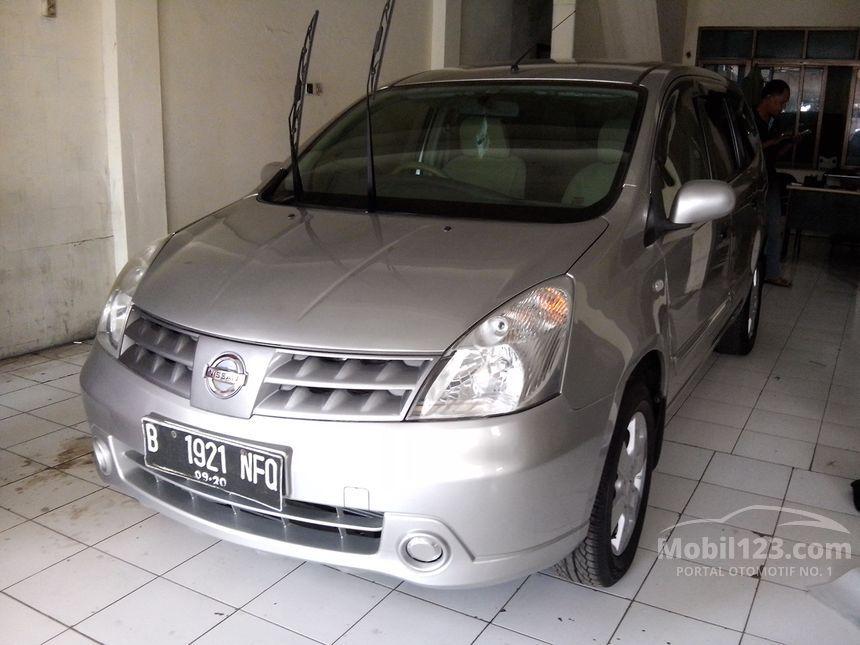 2010 Nissan Grand Livina XV MPV
