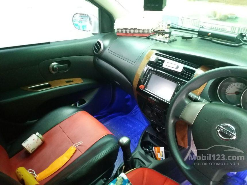 Jual Mobil Nissan Grand Livina 2012 XV 1.5 Manual MPV ...