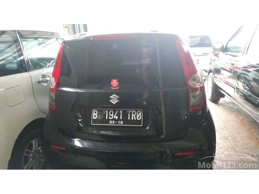 2013 Suzuki Splash GL Hatchback