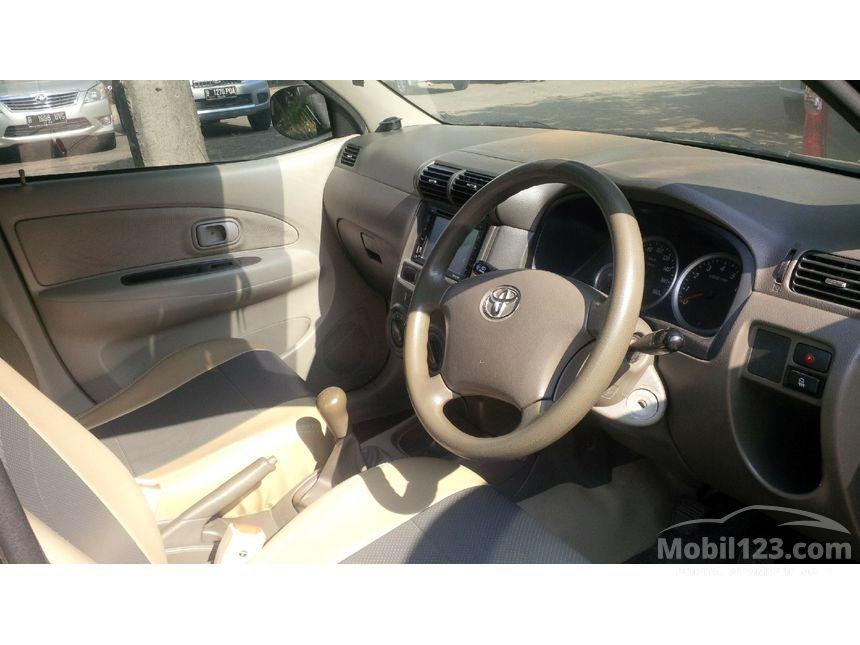 2010 Toyota Avanza E MPV