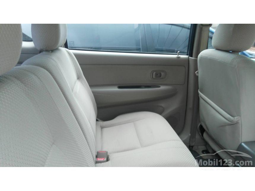 2011 Toyota Avanza S MPV