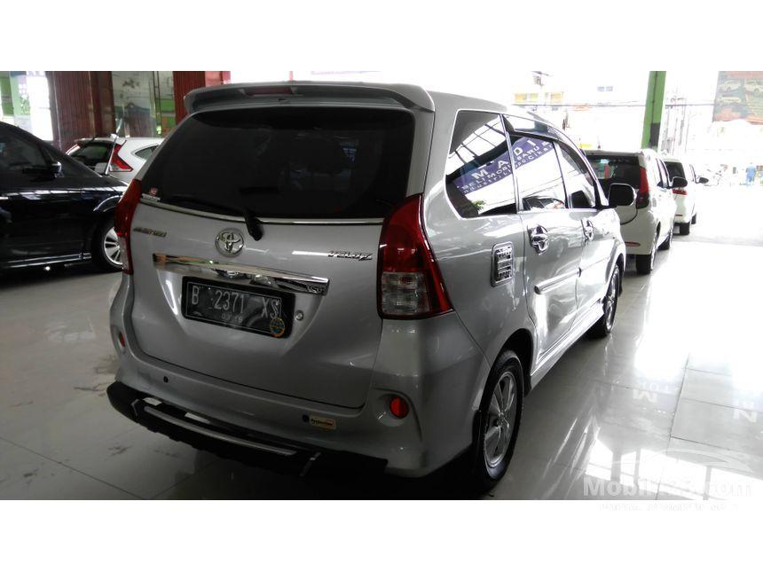 2013 Toyota Avanza Veloz MPV