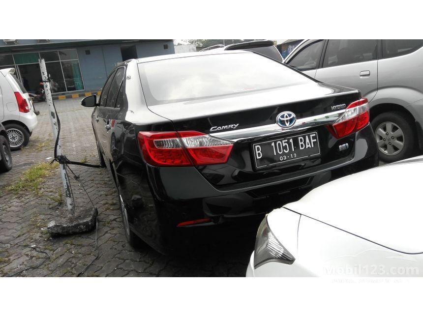 2013 Toyota Camry Hybrid Hybrid Sedan