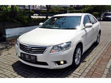 Toyota Camry 2.4 V 2010 AT white , like new , keyless , good condition