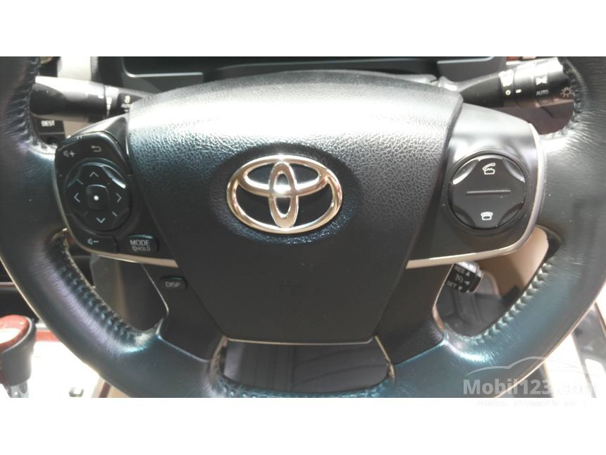 2012 Toyota Camry V Sedan