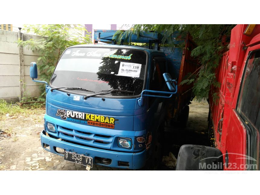 2005 Toyota Dyna Trucks