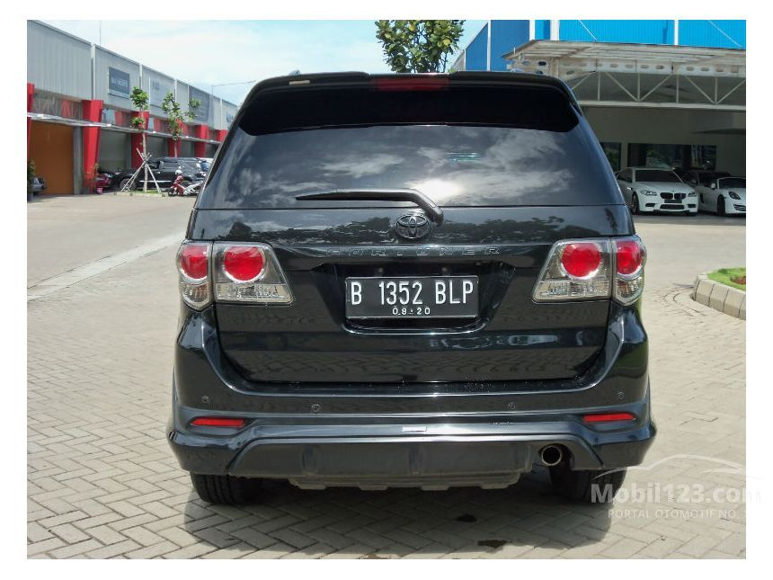 Toyota Fortuner Crusade 2017 | SUV Drive