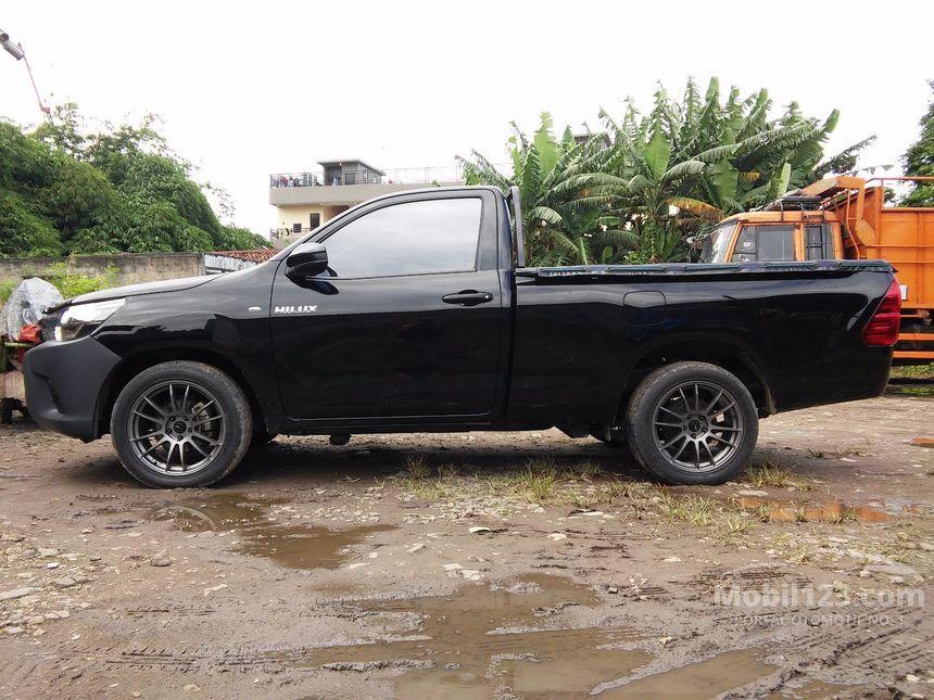 2016 Toyota Hilux E Pick-up