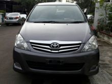 2010 Toyota Innova 2.5  MPV MinivansToyota Innova G diesel at 2010