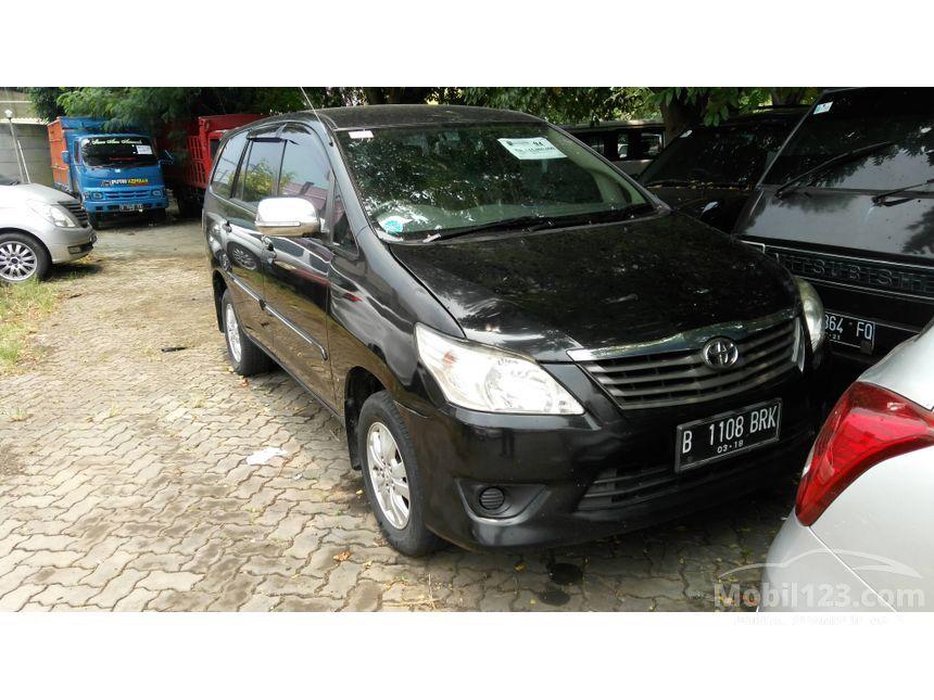 2013 Toyota Kijang Innova E MPV