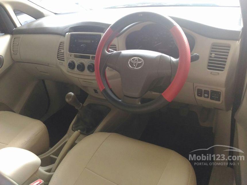 Jual Mobil Toyota Kijang Innova 2012 E 2.5 di Jawa Timur ...
