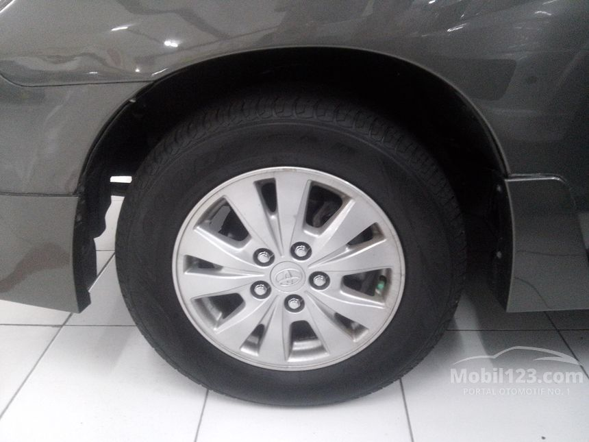 2013 Toyota Kijang Innova G Luxury MPV