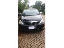 Dijual Toyota Kijang Inova tahun 2011 AT Warna Hitam
