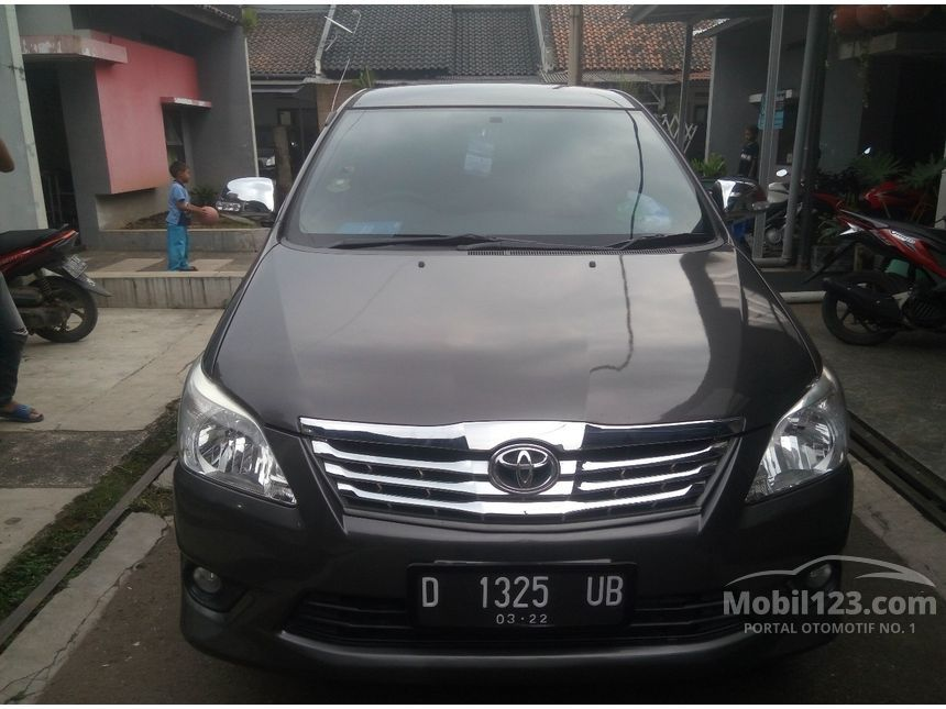 jual mobil toyota kijang innova 2012 g 2 0 di jawa barat manual mpv abu abu rp. Black Bedroom Furniture Sets. Home Design Ideas